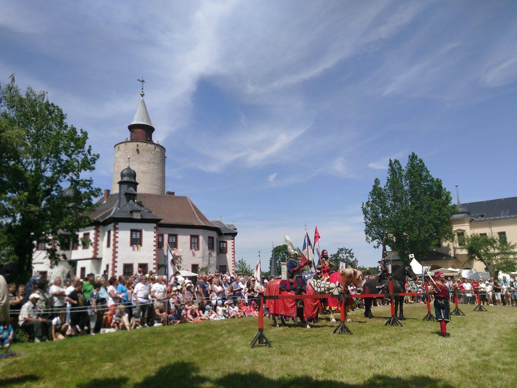 Immer zu Pfingsten: Mittelalterspektakel mit Ritterturnier auf Burg Posterstein